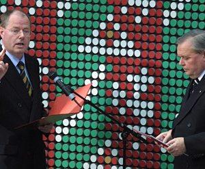 Peer Steinbrück wird von Ulrich Schmidt am 06. 11. 02 zum Ministerpräsidenten vereidigt