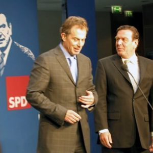 Tony Blair und Gerhard Schröder am 22. 05. 03