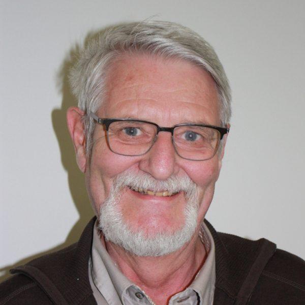 Porträtfoto von Dr. Joachim Teubel