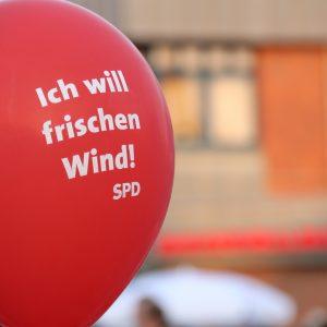 """Luftballon mit der Aufschrift """"Ich will frischen Wind!"""""""