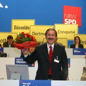 Harald Schartau freut sich über seine Wiederwahl