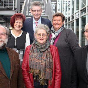 Von links: Dirk Presch (Betriebsratsvorsitzender der NRWSPD), Elke Pietrzik, Norbert Römer (Schatzmeister der NRWSPD), Sigrid Schneider, Astrid Rakowski und André Stinka (Generalsekretär der NRWSPD).