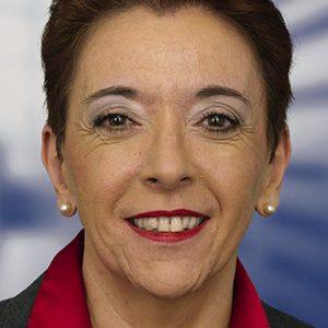 Portrait Lale Akgüen