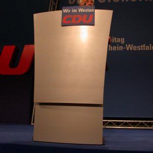 Rede von Edmund Stoiber während des CDU Landesparteitages in Siegen am 06. 07. 02