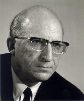 Porträtfoto von Heinz Kühn