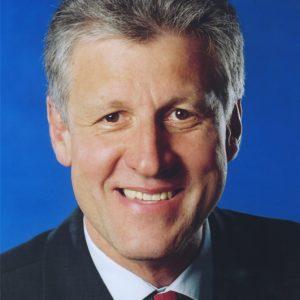 Dr. Arnim Brux, Portrait