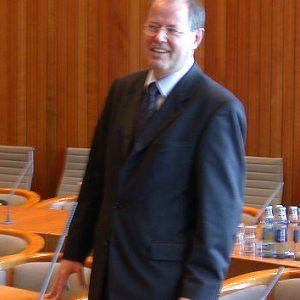 Peer Steinbrück im Düsseldorfer Landtag am 08. 10. 03
