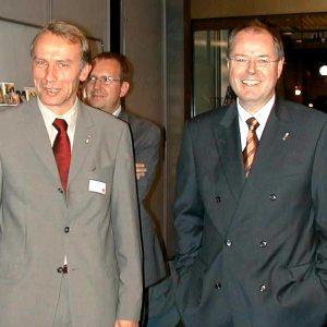 Bernhard Daldrup und Peer Steinbrück während des Regionaltreffen Münster am 25. 10. 02