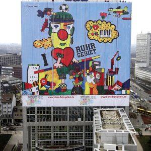 Otmar Alts Riesenbild wirbt am RAG-Gebäude für die Kulturhaupstadt