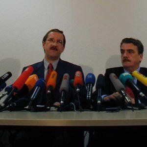 Pressekonferenz am 11. 03. 02 mit Schartau, Groschek
