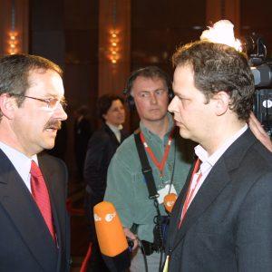 Interview mit Harald Schartau während der Landesdelegiertenkonferenz am 16. 03. 02 in Düsseldorf