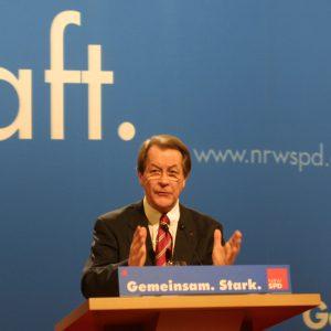 Rede von Franz Müntefering während der Landesdelegiertenkonferenz am 16. 03. 02 in Düsseldorf