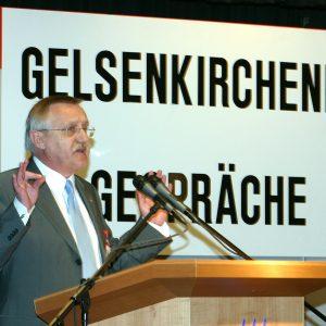 Rede von Edgar Moron während der Gelsenkirchener Gespräche am 28. 03. 03