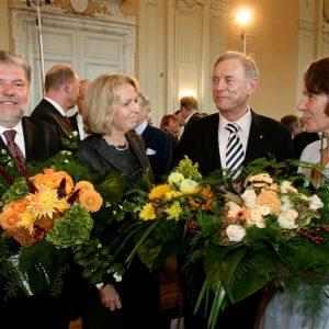 Kurt Beck, Hannelore Kraft, Avi Primor und Christina Rau (von links) würdigten mit weiteren 300 Gästen das Lebenswerk