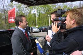 Interview mit Harald Schartau am 12. 04. 02 in Gelsenkirchen