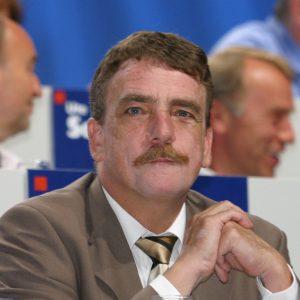 Michael Groschek beim Landesparteitag in Bochum am 14. 06. 03