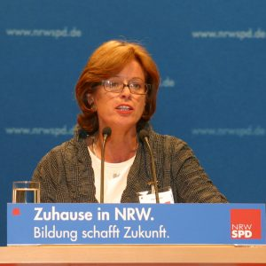 Rede von Ute Schäfer während des Landesparteitages in Bochum am 14. 06. 03