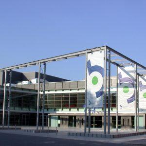 RuhrCongress mit NRWSPD-Fahnen
