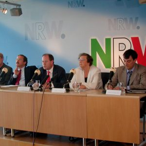 Pressekonferenz Düsseldorfer Signal am 01. 07. 03