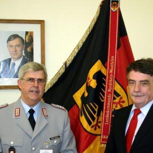Oberst Kneflowski, Michael Groschek