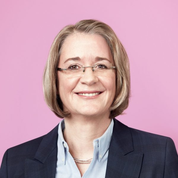 Porträtfoto von Nadja Büteführ, SPD NRW