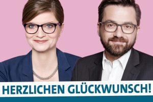 """Porträtfoto von Sarah Philipp und Thomas Kutschaty mit Schriftzug darunter """"Herzlichen Glückwunsch!"""""""