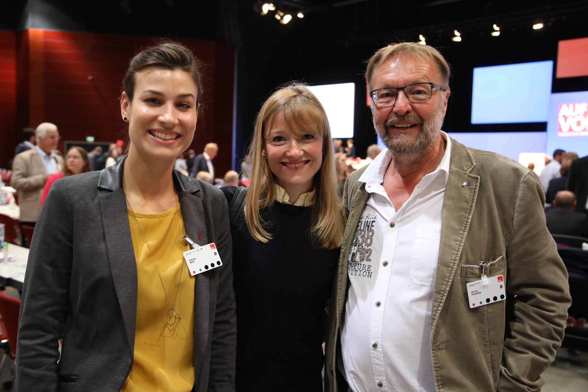 Gruppenfoto von 3 Delegierten auf dem Landesparteitag