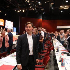 Sebastian Hartmann bekommt standing ovation