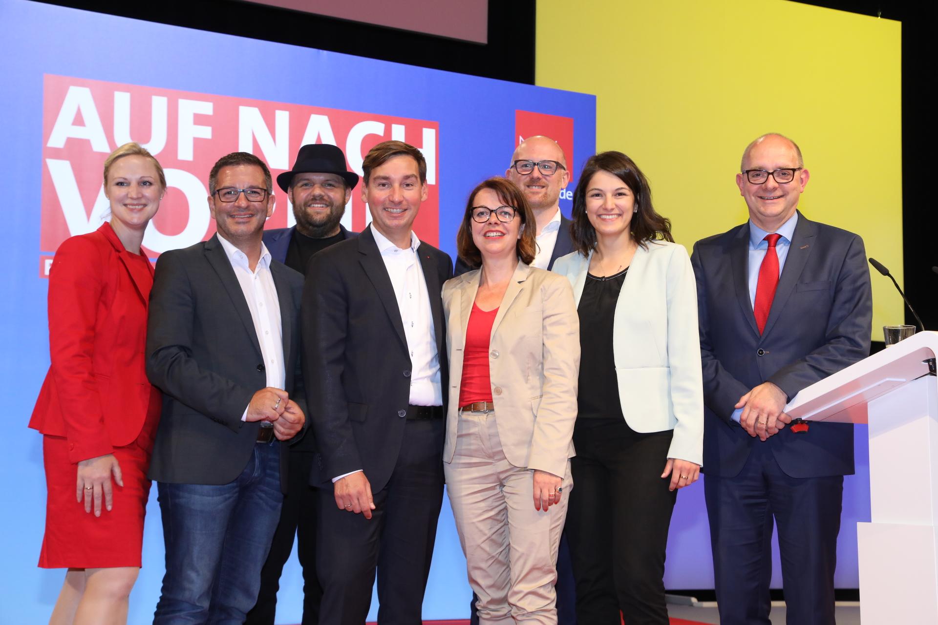 Gruppenfoto des Präsidiums der NRWSPD