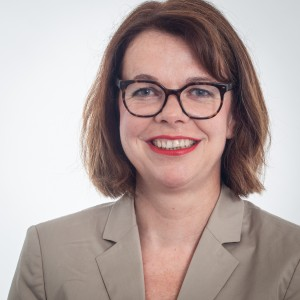 Porträtfoto von Nadja Lüders