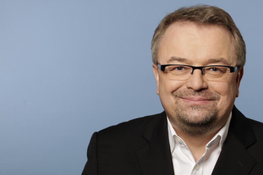 Porträtfoto von Jens Geier