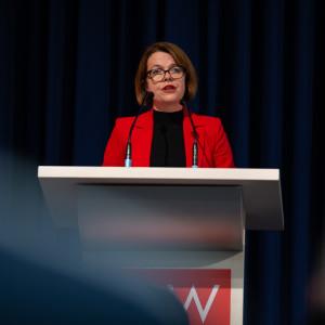 Nadja Lüders hält eine Rede bei der Kandidatenwahl für die Bundesdelegiertenkonferenz