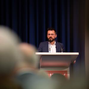 Thomas Kutschaty hält eine Rede