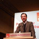 Dirk Wiese bei seiner Rede am politischen Aschermittwoch 2019