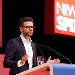 Felix Heinrichs bei seiner Rede auf dem außerordentlichen Landesparteitag 2019 in Bochum