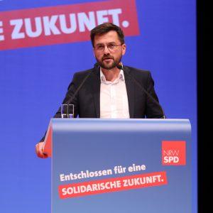 Thomas Kutschaty bei seiner Rede auf dem außerordentlichen Landesparteitag 2019 in Bochum