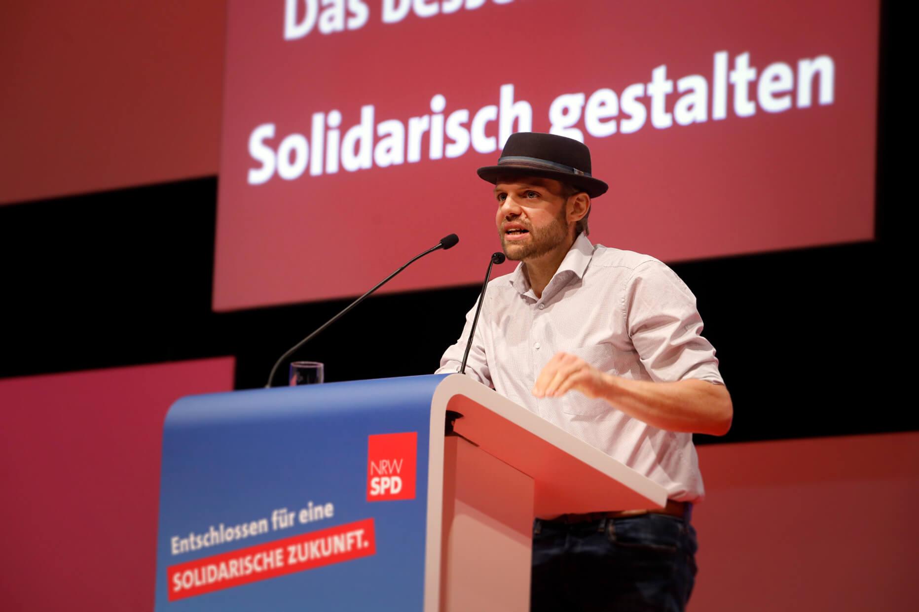 Veith Lemmen bei seiner Rede auf dem außerordentlichen Landesparteitag 2019 in Bochum