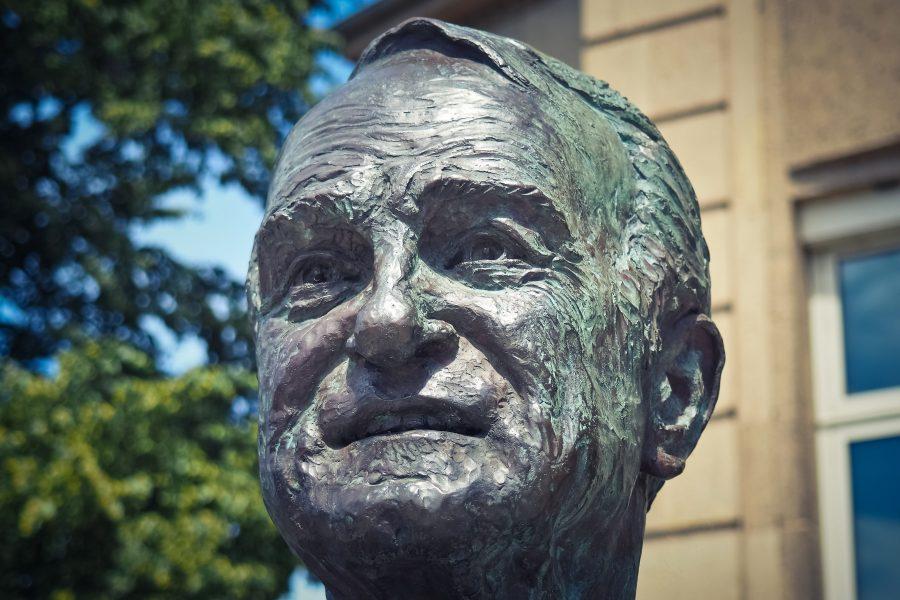 Kopf der Johannes Rau Skulptur